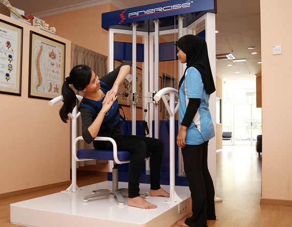 Read more about the article The Best Non-Surgical Treatment for Scoliosis in Malaysia