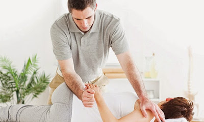 physiotherapy and chiropractic treatment through manual methods
